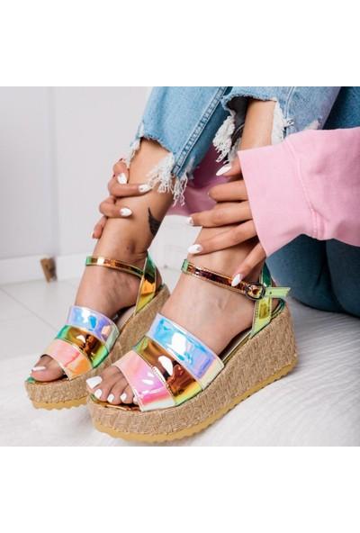 Limoya Kaylie Multi Hologram Dolgu Topuklu Hasır Tabanlı Sandalet