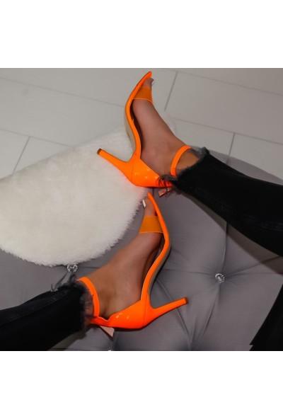Limoya Poppy Oranj Neon Rugan Şefaf Bantlı Sivri Burunlu İnce Topuklu Ayakkabı
