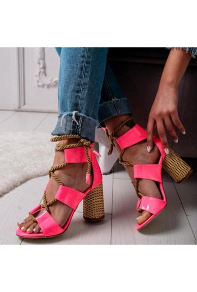 Limoya Kennedy Fuşya Neon Rugan Hasır Topuklu Halat Detaylı Sandalet