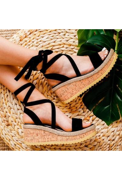 Limoya Vivienne Siyah Süet Dolgu Topuklu Mantar Tabanlı Bilekten Sargılı Sandalet