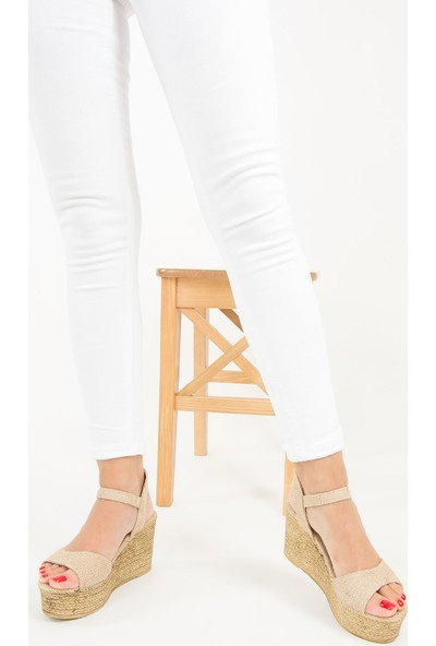 Fox Shoes Bej Kadın Dolgu Topuklu Sandalet F274061217