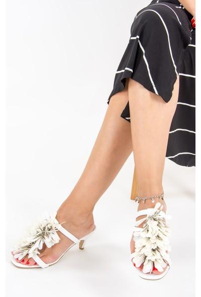 Fox Shoes Beyaz Kadın Topuklu Terlik F422423009