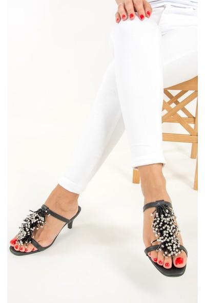Fox Shoes Siyah Kadın Topuklu Terlik F422426009