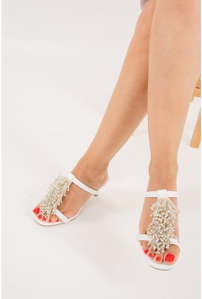 Fox Shoes Beyaz Kadın Topuklu Terlik F422426009