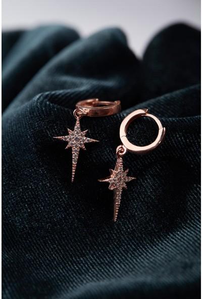 İzla Design Kutup Yıldızı Model Zirkon Taşlı Gümüş Küpe