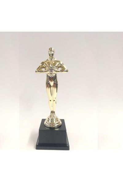 4 Renk Oscar Başarı Heykel Ödülü / Yılın En'leri