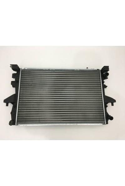 Gust Su Radyatörü Volkswagen T5 2003> 2.5 Düz Vites (7H0121253G)