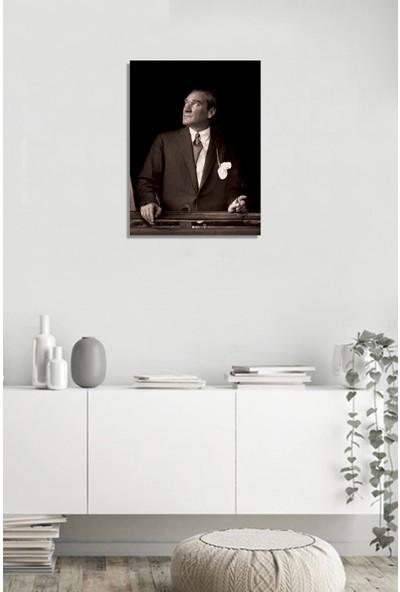 Tablosan İstikbal Göklerdedir Atatürk Portresi Kanvas Tablo