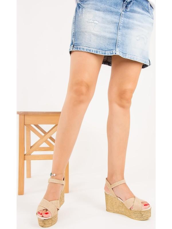 Fox Shoes Bej Kadın Dolgu Topuklu Sandalet F274061117