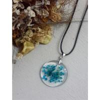 Köstebek İpli Küçük Mavi Çiçekli Kolye