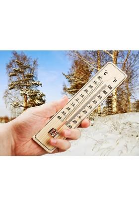 Toptancı Kapında Ahşap Termometre ve Nem Ölçer