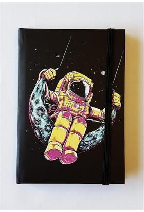 Köstebek Sallanan Astronot Defter