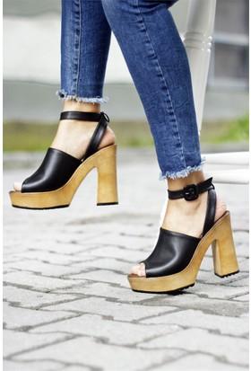 İnce Topuk Kalın Topuklu Sandalet