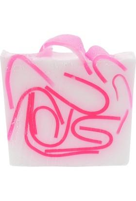Lolabomb Tickled Pink 100 gr Karanfil ve Yasemin Esanslı Sabun