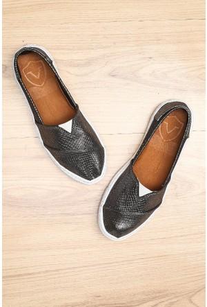 Limited Edition Gümüş Bayan Hakiki Deri Ayakkabı