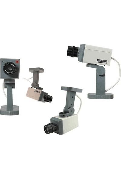 Toptancı Kapında Hareket Sensörlü Caydırıcı Güvenlik Kamerası