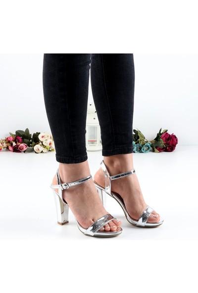 Föz Gümüş Tek Bant Kadın Topuklu Ayakkabı