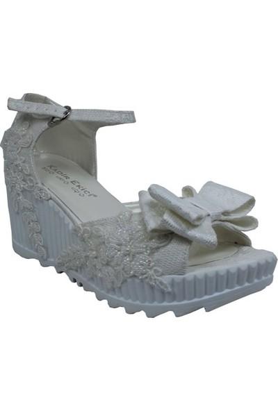 Kadir Ekici Kurdela Detaylı Beyaz Sandalet