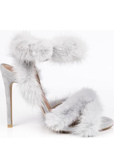 J'abotter Baby Gri Tüylü İnce Topuklu Ayakkabı
