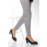 Tarçın Deri Siyah Klasik Günlük Kadın Topuklu Ayakkabı TRC71-0172
