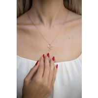 İzla Design 5569 İyilik Meleği Model Zirkon Taşlı Rose Kaplama Gümüş Kolye