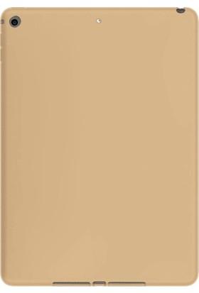 """Essleena Windys Apple iPad 5. Nesil (2017) 9.7"""" (A1822/A1823) Rubber&Soft Feeling Tablet Kılıfı + 9H Kırılmaz Cam + Stuylus Kalem Gold"""
