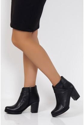 Tarçın Hakiki Deri Siyah Günlük Kadın Topuklu Bot Trc49-3771