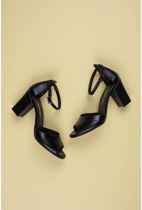 Tarçın Deri Siyah Klasik Günlük Kadın Topuklu Ayakkabı TRC71-0314
