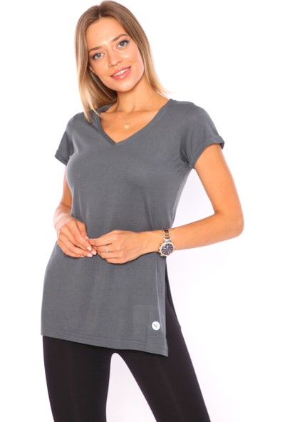 Superstacy V Yaka Yırtmaçlı Tunik Kadın Füme Tişört