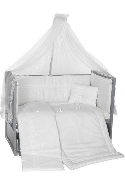Heyner Ahşap Lake Gri Renk Anne Yanı Beşik 3 Kademeli Sallanan Ahşap Beşik 60 x 120 cm - Beyaz Güpürlü Uyku Setli & Soft Ortopedik Yataklı