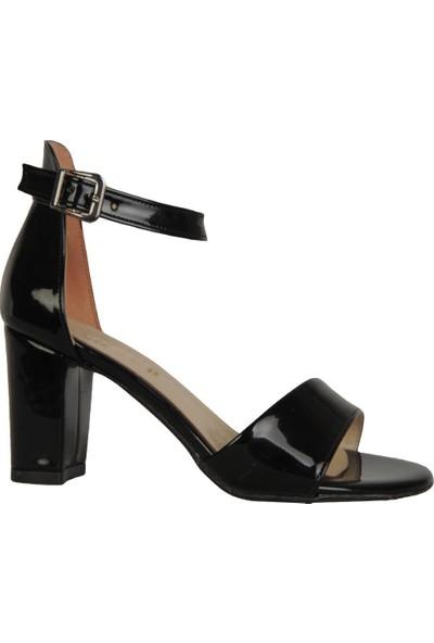 Byn Ayışığı Siyah Rugan Tek Bant Kadın Sandalet Ayakkabı
