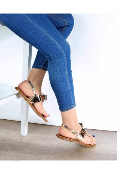 Mosimoso Bakır Ayna Parmak Arası Fiyonk Detaylı Kadın Sandalet