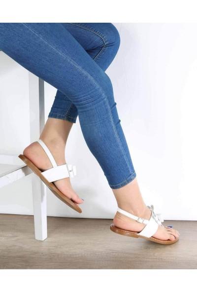 Mosimoso Beyaz Cilt Parmak Arası Fiyonk Detaylı Kadın Sandalet