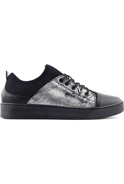 Saçma Kadın Ayakkabı