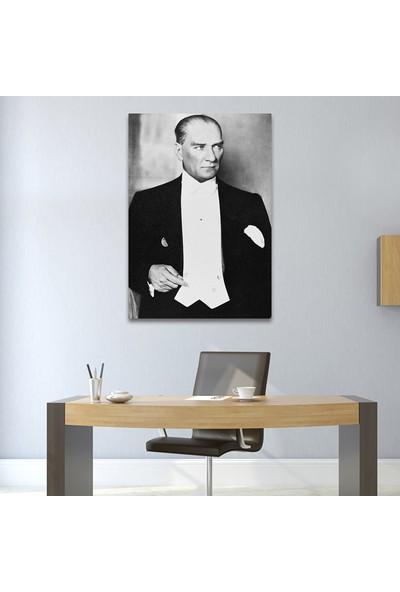 Çerçevelet Atatürk'ün Smokinli Tablosu 35 x 50 cm