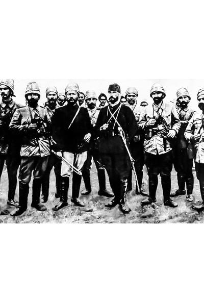 Çerçevelet Atatürk Trablusgarp Cephesinde 35 x 25 cm