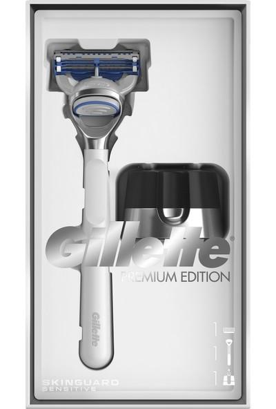 Gillette Skinguard Makine + Manyetik Stand White Edition