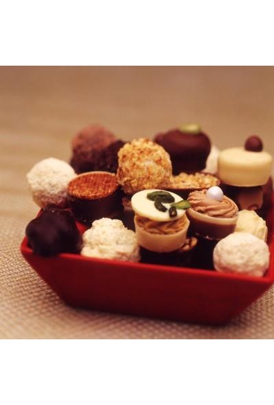 Şekerci Cafer Erol Spesiyal 48'li Altın Kutu Çikolata