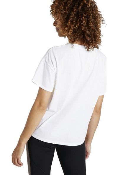 Asics 2032A984-100 Big Logo Kadın Tişört