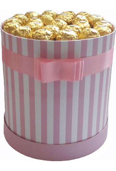 GiftiGifti Tasarım Kutusunda Enfes Çikolatalar 275 gr