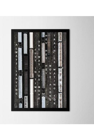 Polnight Train Station Çerçeveli Poster