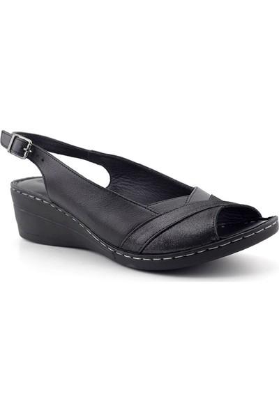 İz 419 Hakiki Deri Kadın Sandalet