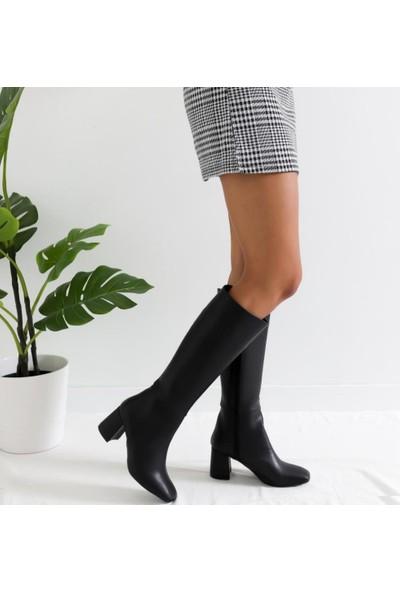 Limoya Luann Siyah Orta Topuklu Köşeli Burunlu Çizme