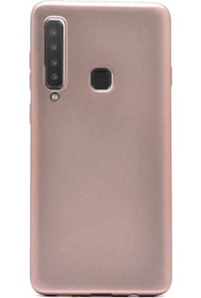 Kaltel Gsm Samsung Galaxy A9 2018 Mat Premier Silikon Kılıf + USB Kablo + 5D Full Kaplayan Tam Koruma Tüm Ekran Koruyucu - Gold