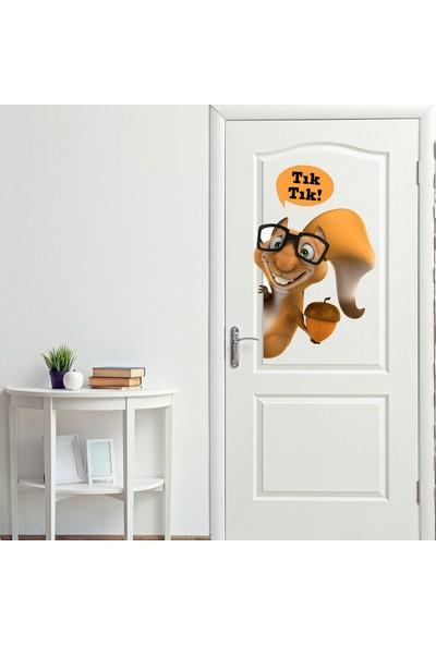 Sim Tasarım Yaramaz Sincap Kapı Sticker Seti