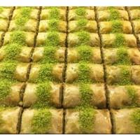 Hüseyinoğlu Baklava-Börek Antep Sarması Fıstıklı Dolama Küçük Tepsi 2 kg
