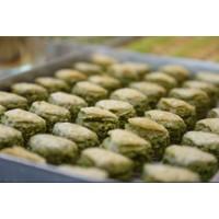 Hüseyinoğlu Baklava-Börek Antep Fıstıklı Dilber Dudağı Baklava Küçük Tepsi 2 kg