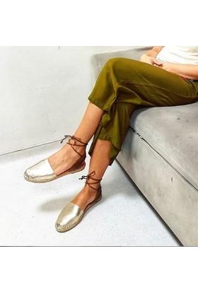 Hotanto Kadın Selin Altın Deri Yazlık Bilekten Bağlı Günlük Kadın Sandalet