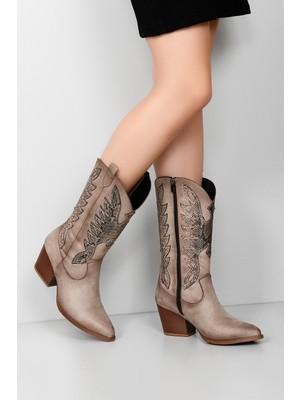 Gönderi® Sivri Burun Topuklu Western Kovboy Fermuarlı Kadın Günlük Çizme 38601