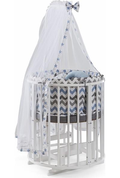 Heyner Ahşap Lake Beyaz Renk Play Stokke 7 in 1 Sepet Beşik, Anne Yanı Beşik, Karyola, Alt Değiştirme Sehpası, Masa, Sandalye - Mavi Yıldız Uyku Seti & Soft Yatakları